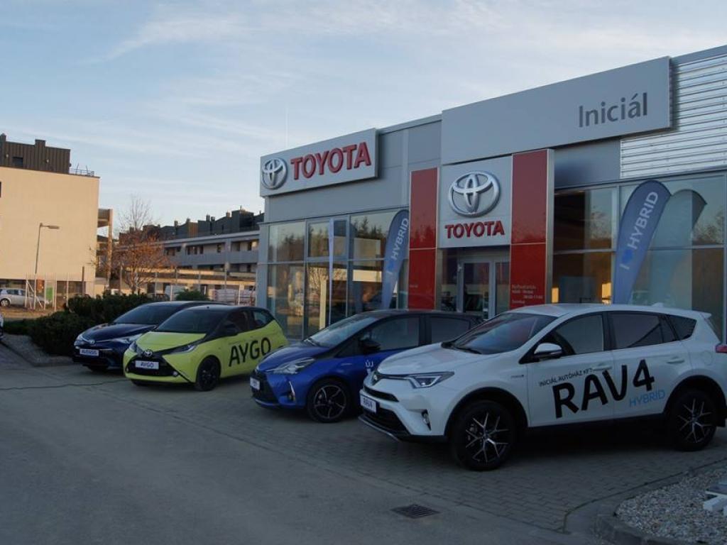 Toyota szalon nyitás Sopronban
